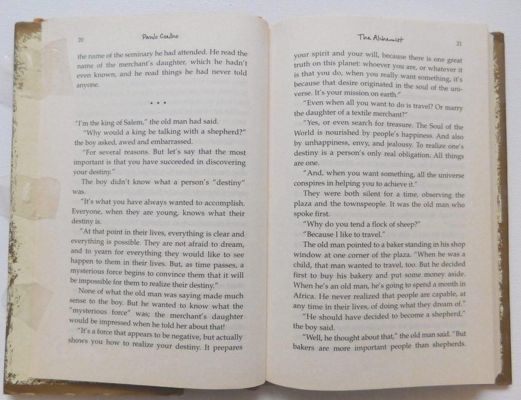 JuneWalkDesignDIYArtworkonBooks02InteriorDesignBangalore